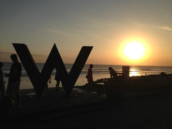 W Bali - Seminyak: sunset at the beach
