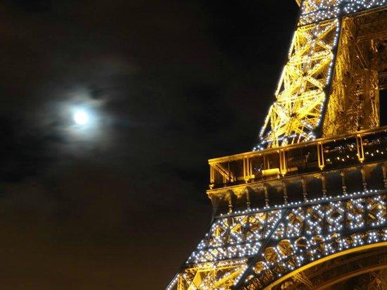 Eiffel Tower: Iluminação