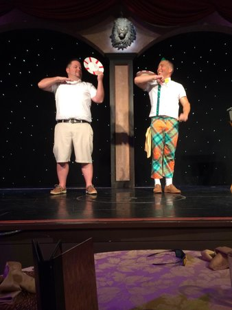 Treasure Tavern Dinner Theatre: I'm the guy on left. They brought me on stage for the act.