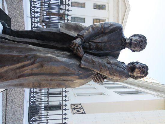 Old Courthouse : Dred and Harriett Scott