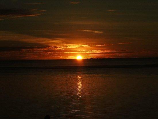 Heilala Holiday Lodge : sunset