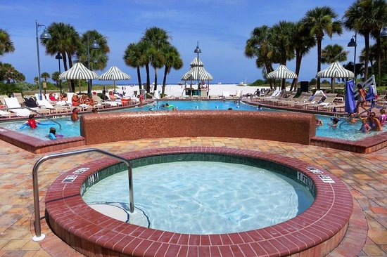 Sheraton Sand Key Resort: Pool area / deck.