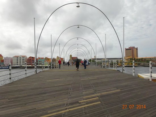 Queen Emma Pontoon Bridge: Posições de movimento da ponte. (1)