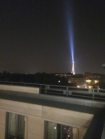 The Hotel du Collectionneur Arc de Triomphe: Balcony room view
