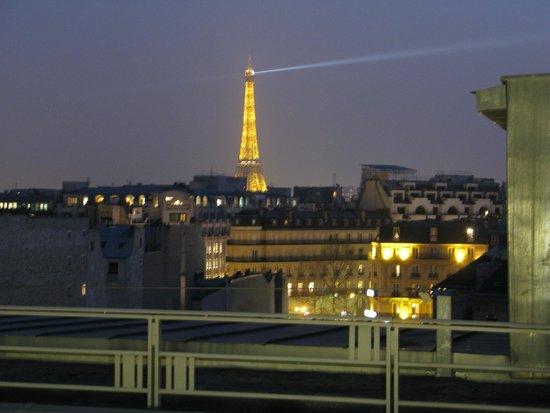 The Hotel du Collectionneur Arc de Triomphe: Eiffel Tower Room balcony
