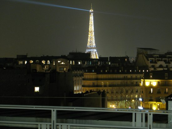 The Hotel du Collectionneur Arc de Triomphe: view from rooms balcony