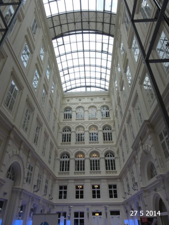 Barceló Brno Palace: The stunning atrium