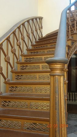 Old Courthouse : Another beautiful staircase