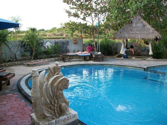 Sunset Villas: Pool