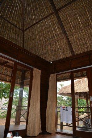 Sunset Villas: Inside lounge room
