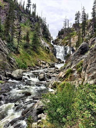 Biscuit Basin: Mystic Falls