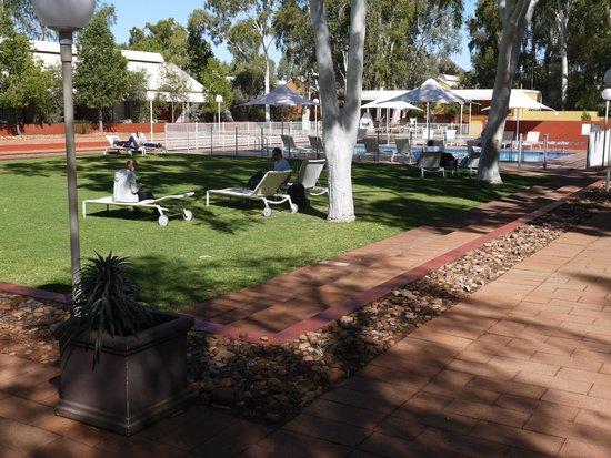 Desert Gardens Hotel, Ayers Rock Resort: Pool Area
