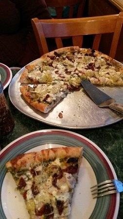 Apollo Restaurant: Northern Italy pizza