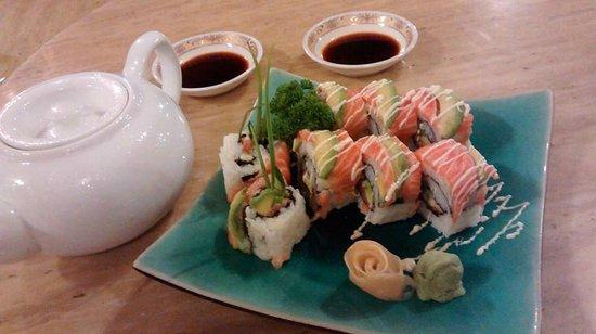 Laman Ria: Salmon Avocado Sushi