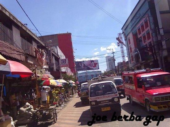 Colon Street: Bustling