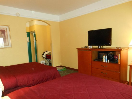Quality Inn & Suites Beachfront: nice rooms