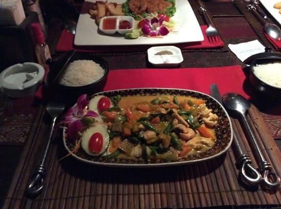 John's Garden : Thai green curry with chicken, spicy!