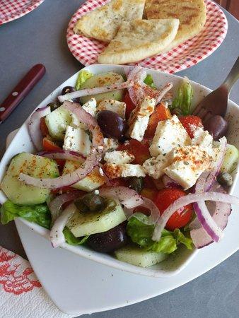 Lucky's Souvlakis: Greek salad