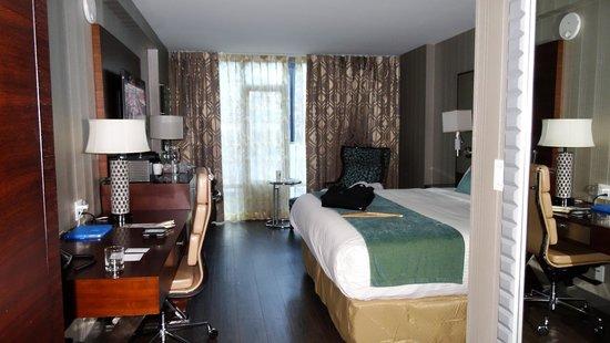 Hotel BLU : room