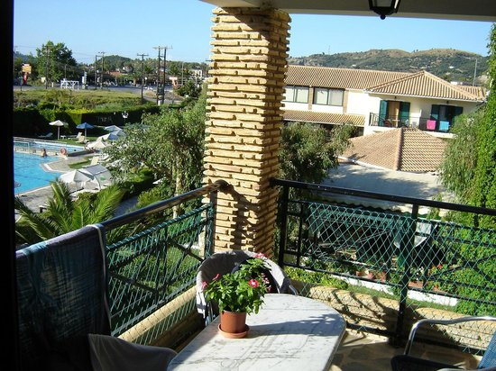 Amaryllis Hotel: room balcony