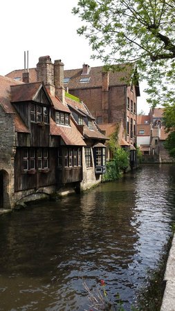 Boottochten Brugge: Canal in Bruges