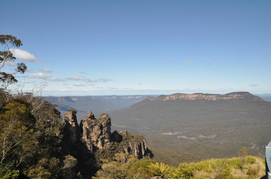 Blue Diamond Tours - Blue Mountains Day Tour: The Three Sisters at Echo Point