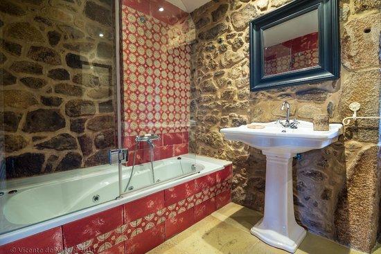 Cuarto de ba o habitacion fotograf a de hotel r stico - Cuarto bano rustico ...