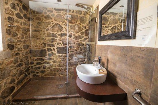 Ba o habitaci n alcatraz photo de hotel rustico lugar do - Cuarto bano rustico ...