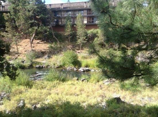 Riverhouse on the Deschutes: View of the river from hotel room balcony