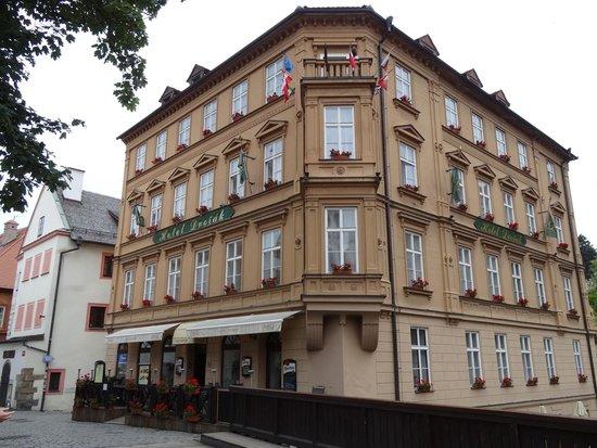 Hotel Dvorak: ホテル外観