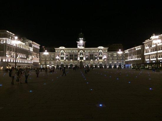 Piazza dell'Unita d'Italia : Piazza unita di Italia, Trieste