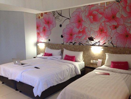favehotel Daeng Tompo : Triple Room, dua bednya dijadikan satu