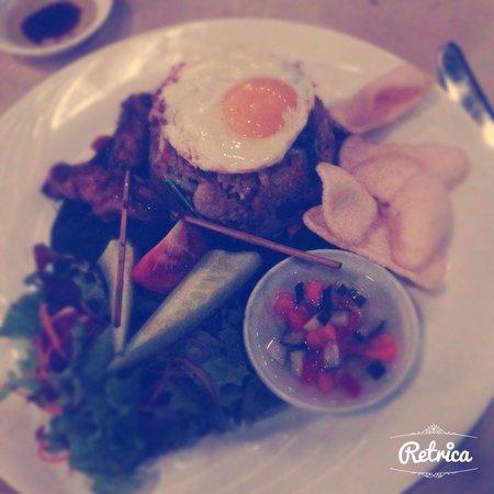 Mezzanine Bar & Restaurant: Nasi goreng !!!