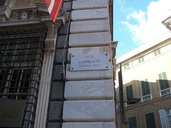 Via Garibaldi: targa