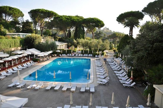 Rome Cavalieri, Waldorf Astoria Hotels & Resorts : Pool