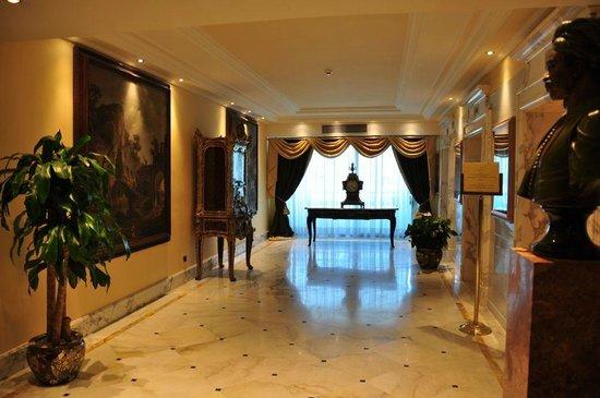 Rome Cavalieri, Waldorf Astoria Hotels & Resorts : rooms floor