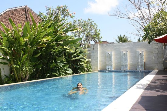 Ivory Resort Seminyak: Swimming pool