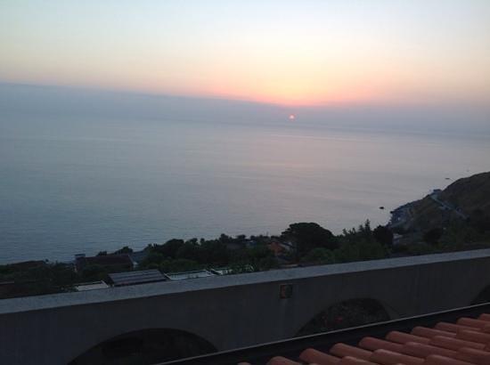 Villa Ridente Club: l'alba