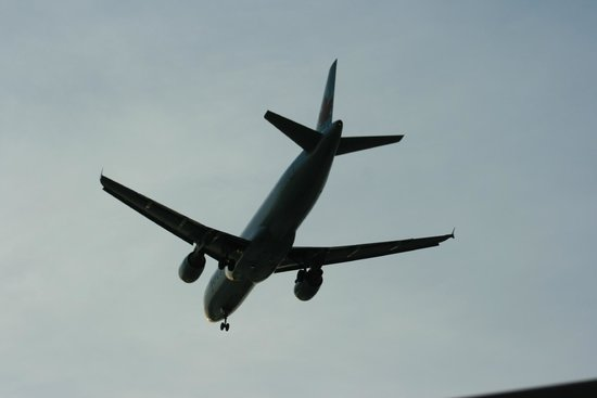 River Rock Casino Resort: Love watching the planes come in