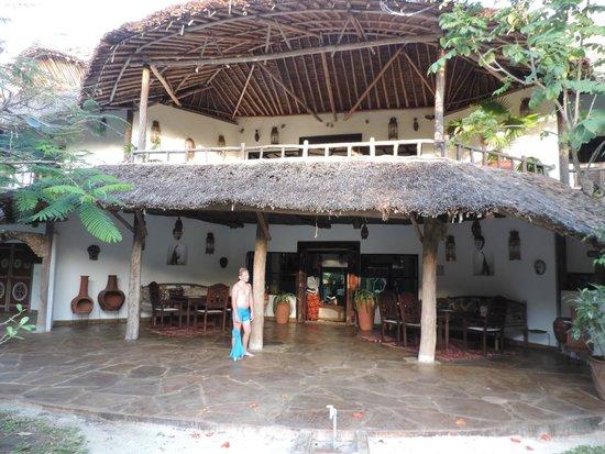 Kinondo Kwetu: Entrance to the main house