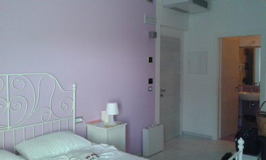 Hotel La Maestra : La nostra camera lilla
