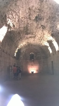 Diokletianpalast: Sotterranei Palazzo di Diocleziano