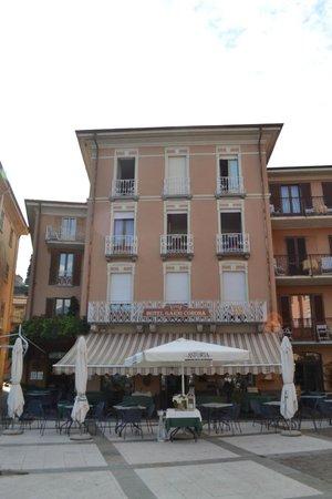 Hotel Garni Corona: Outside the Hotel