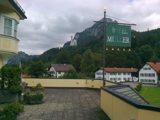 Hotel Mueller: View of the Neuschwanstein castle from the veranda