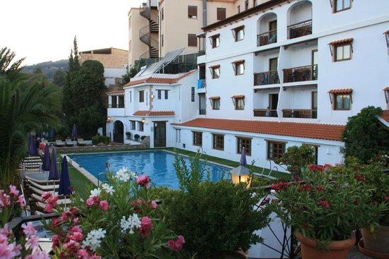 Alcadima Hotel: PISCINE