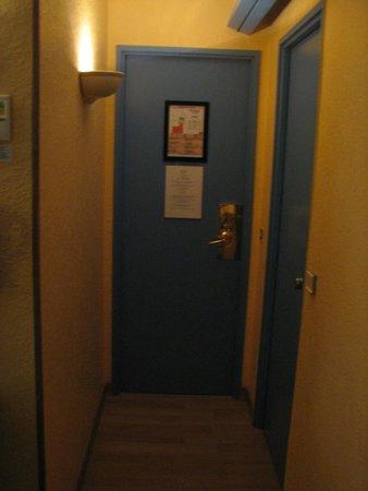 HOTEL ALEXANDRIE : כניסה לחדר