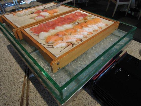 Flyer's Table: 寿司