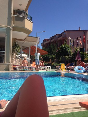 Liman Apart Hotel: View of the pool