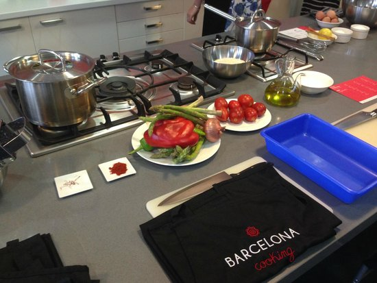 Barcelona Cooking Classes: Prep is ready and waiting for us to start