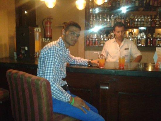 Palmyra Resort: I'm in the bar